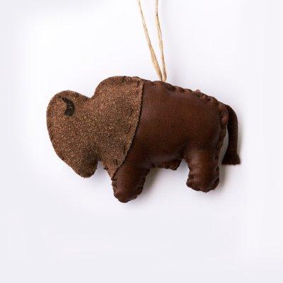 画像1: インディアン スー族 レザー製 ハンドメイド オーナメント(バッファロー・ブラウン)/Ornament