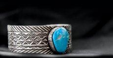 画像4: ナバホ キングマン ターコイズ スターリングシルバー ハンドメイド ブレスレット/Navajo Kingman Turquoise Sterling Silver Bracelet (4)