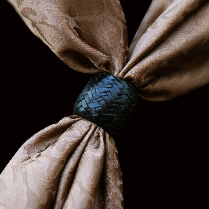画像1: ローハイド スカーフ スライド スカーフ留め 大判スカーフ ワイルドラグ用(ブラック)/Scarf Slide