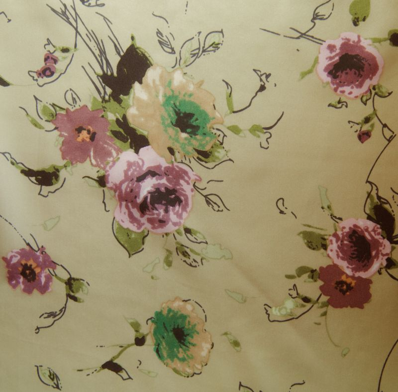 画像1: シルク ワイルドラグ(カウボーイ大判スカーフ)フローラル/100% Silk Wild Rags (1)
