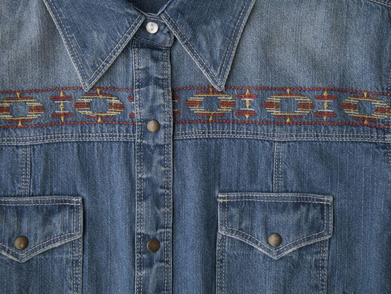 画像2: ラングラー ウエスタン 刺繍 デニム シャツ(長袖/レディース)/Wrangler Long Sleeve Western Denim Shirt(Women's)
