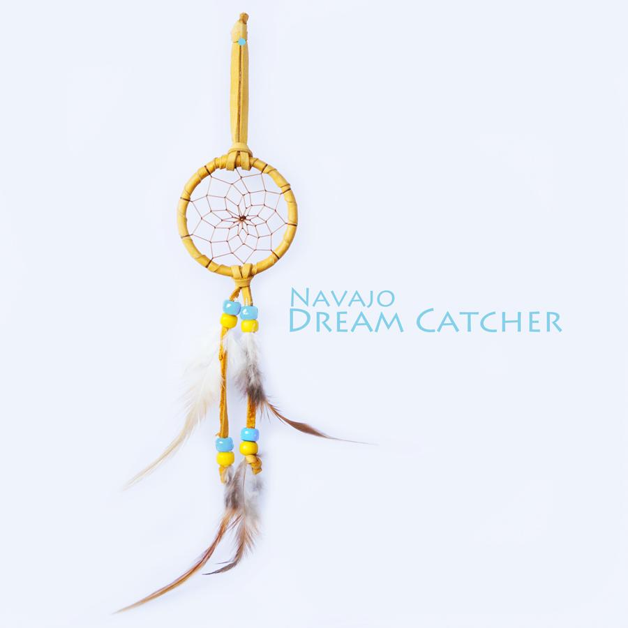 画像1: アメリカインディアン ナバホ族 鹿革製 ハンドメイド ドリームキャッチャー 6cm(タン/ライトブルー・イエロー)/Navajo Hand Made Dream Catcher (1)